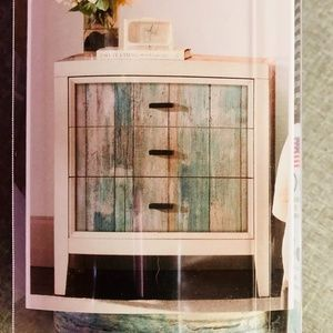 NWT WEATHERED WOOD PEEL AND STICK WALLPAPER